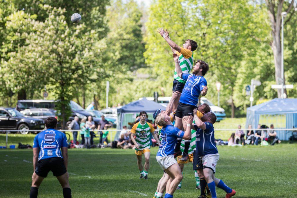 """Wir wachsen! Unser Rugby Team jetzt mit einer """"Old-Boys Mannschaft"""", die Silver-Tigers."""