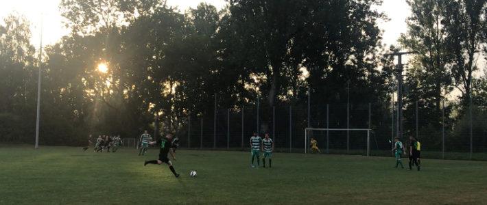 Die junge Truppe der Fußball Aktiven musste gegen den TSV Köngen II Lehrgeld bezahlen